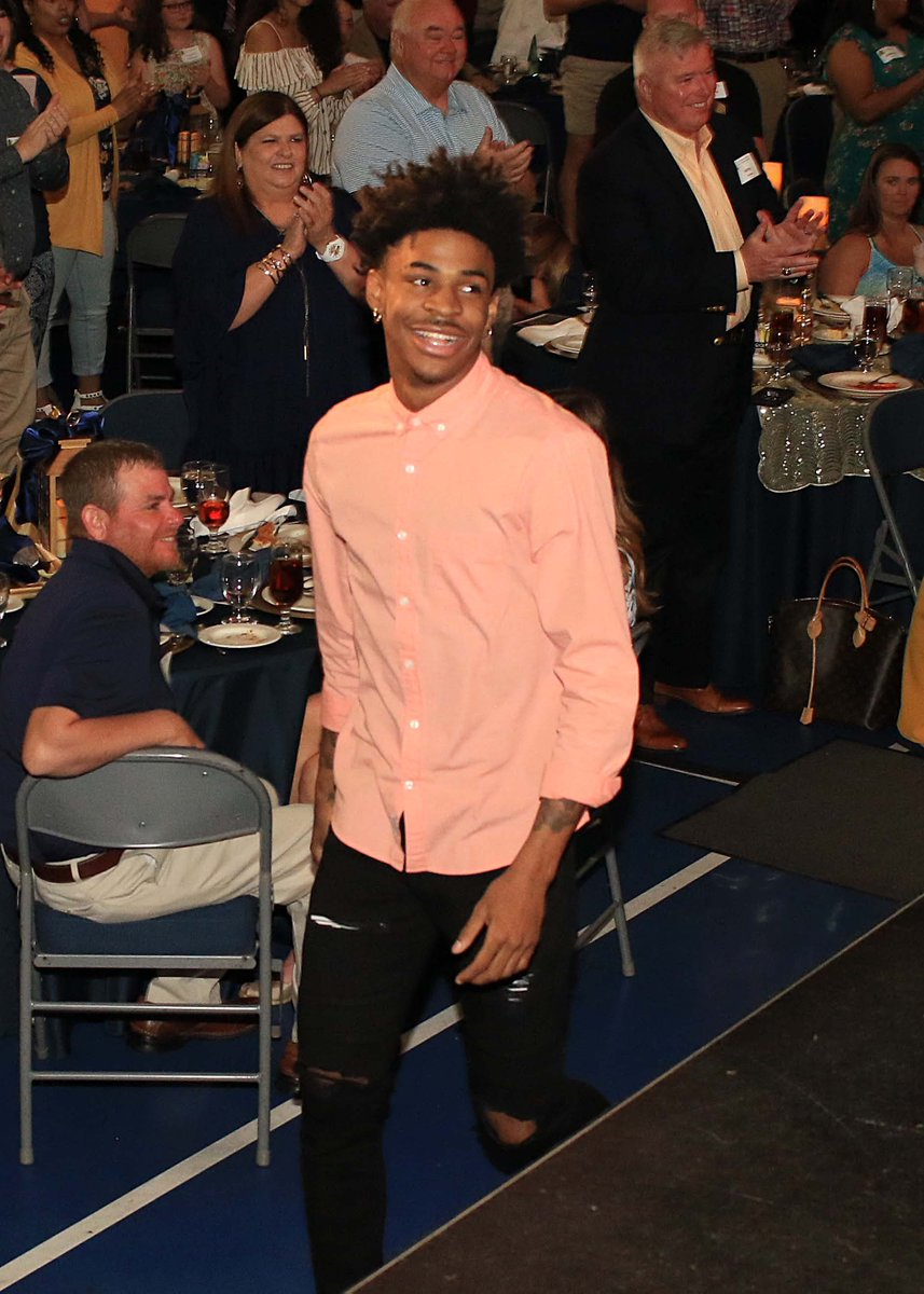 Some pics from the @RacersHoops banquet tonight at @CFSBCenter We all know @igotgame_12  is really good with a basketball. But four of them? Yep! Same. @CoachMcMahon Photo gallery here: https://admin.goracers.com/galleries/?gallery=3268…