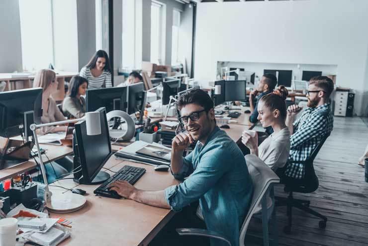【就職・転職に必須知識】受託開発とは?メリット・注意点を自社開発と徹底比較 #IT業界の歩き方