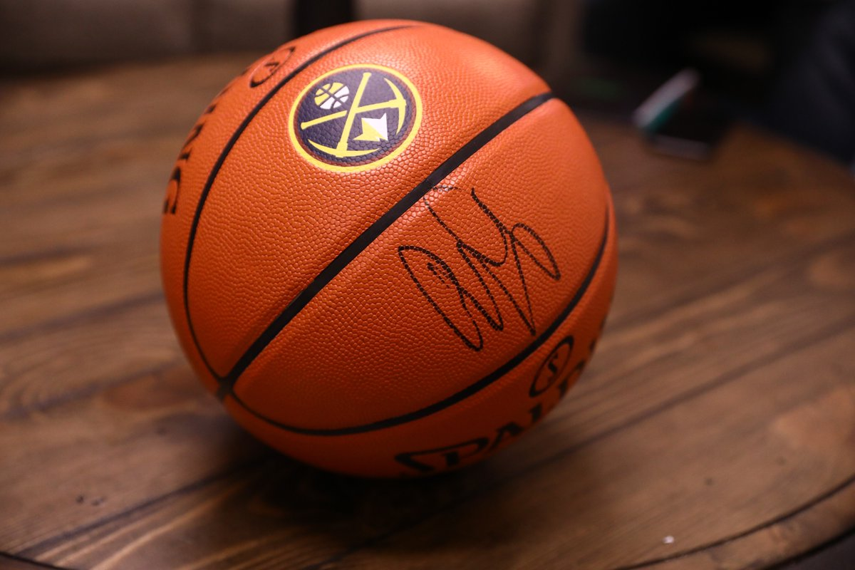 As a way to show our appreciation to the fans who have supported us all year, we've got a signed Gary Harris basketball to giveaway!  RT for a chance to win!  Official Rules: http://www.nba.com/nuggets/nuggets-fan-appreciation-social-media-giveaways…