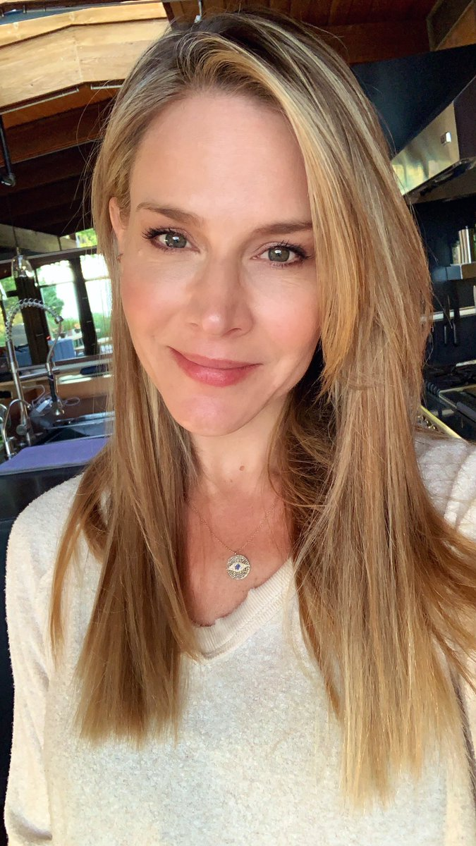 Julie Benz buffy the vampire slayer