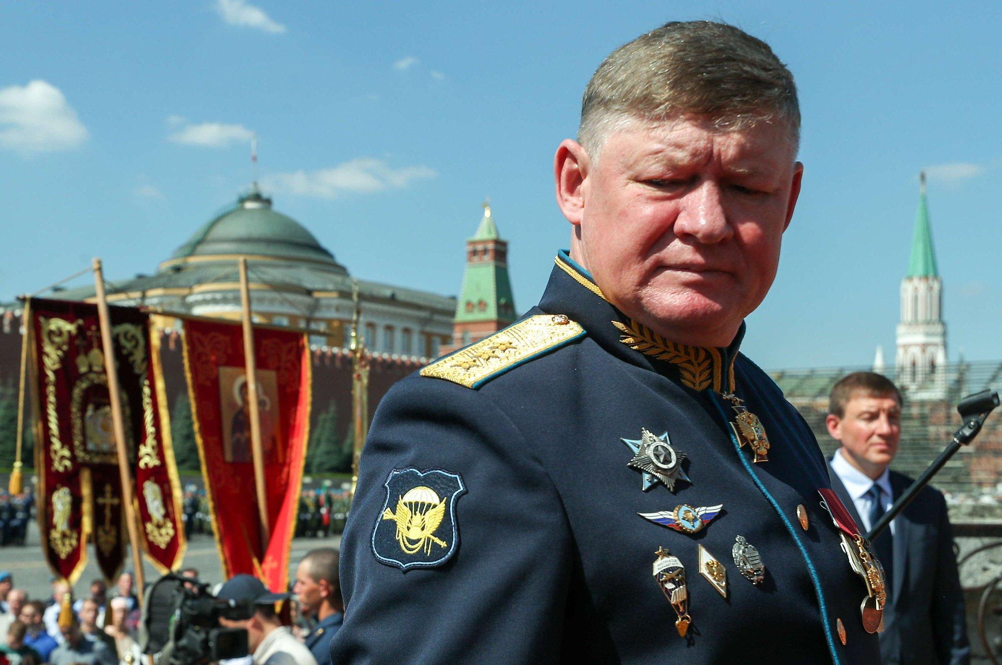 генерал лейтенант андрей сердюков фото как залезешь
