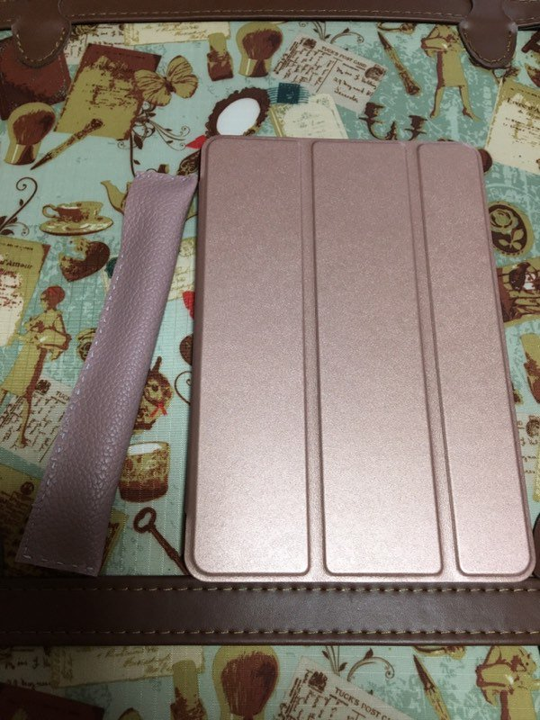 test ツイッターメディア - 実家に帰省中でレザークラフトの道具がないけど何か作りたくて、セリアで買ったフェイクレザーでiPad mini用のペンケースを製作。ただの針と糸で手軽に作れて、本革の色落ちを気にしないで良いのが利点。 #フェイクレザー #ハンドメイド #レザークラフト #手縫い #セリア #手作り #iPad #ロジクール https://t.co/DBFxAYnJyG