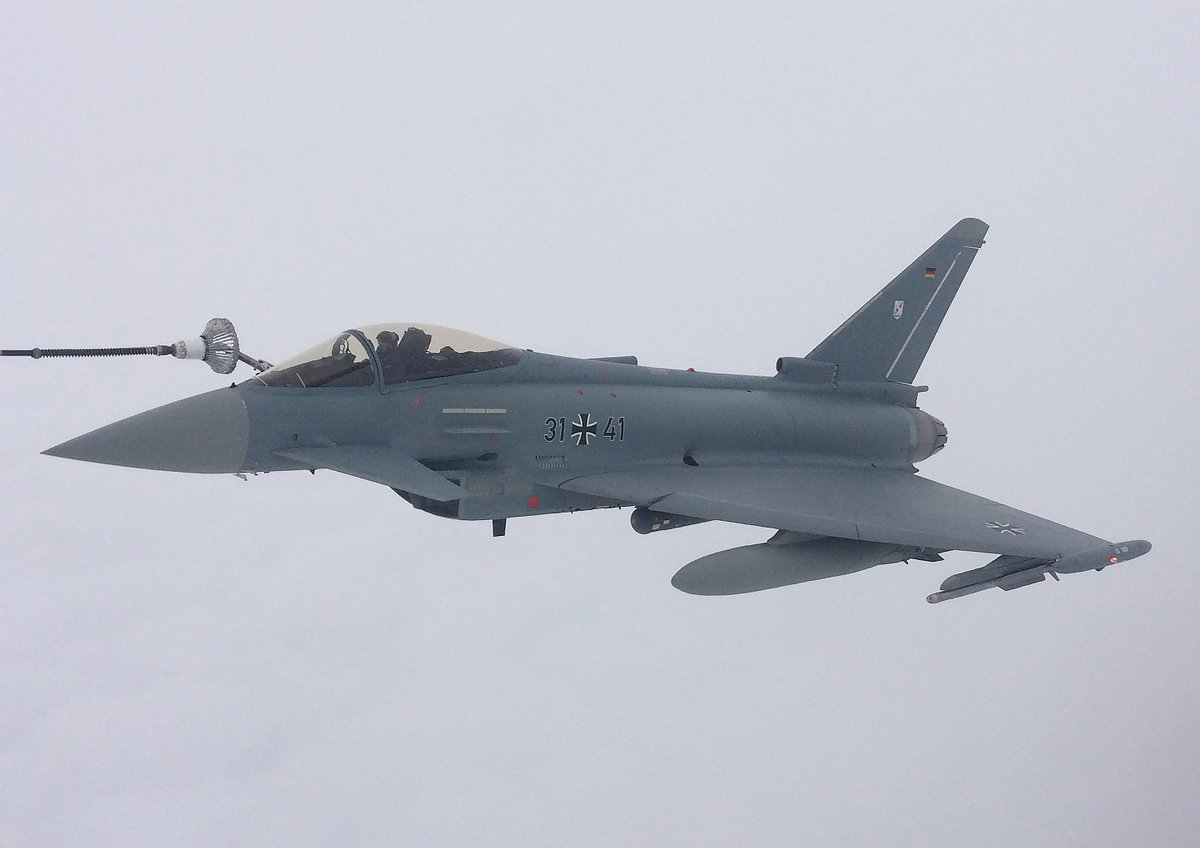 RAF tanker crews & their aircraft have spent two weeks in the Netherlands as part of a major multinational exercise refuelling aircraft such as @Armee_de_lair Mirage and German Typhoon to become familiar with each other's tactics and aircraft.  Full story: http://bit.ly/EART19