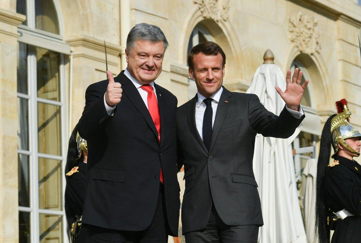 Порошенко и Макрон договорились в ближайшее время вновь выступить с инициативой освобождения Сущенко - Цензор.НЕТ 4189