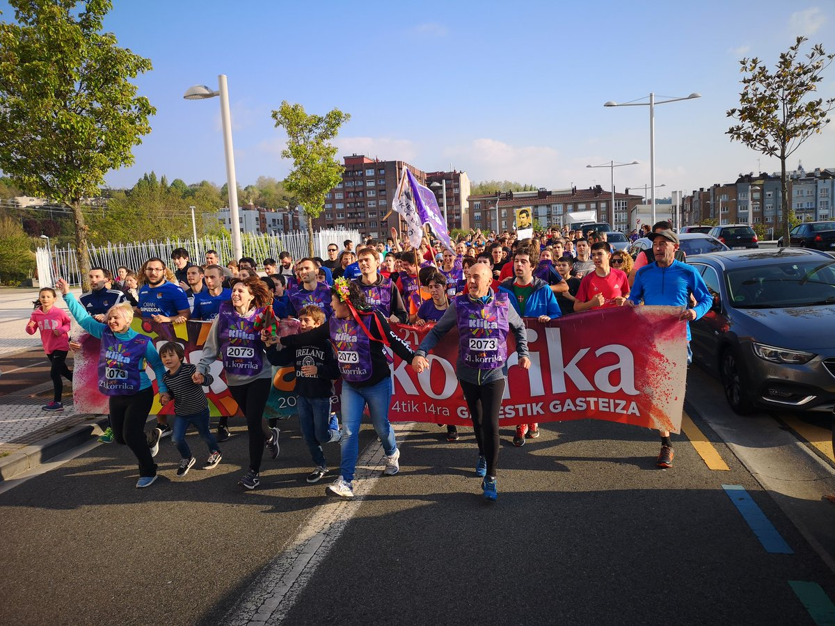Zoro zoragarriz josita dago gaur #Donostia! Milaka lagun #klika egiten euskarari, aktibazioari, konpromisoari!