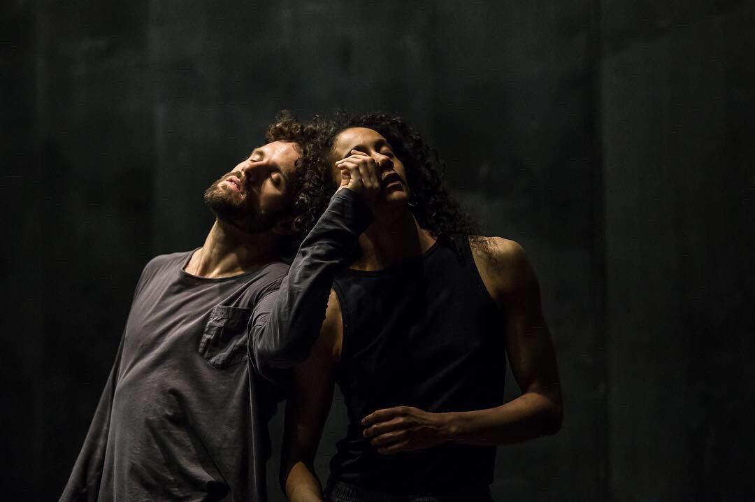 Die Proben für das neue Tanzstück »Ares« von Johannes Wieland laufen auf Hochtouren! Wir waren dabei, um euch schonmal ein paar Einblicke zu geben! Fotos: @ckf_coko  #tanzproben #ares #johanneswieland #nicolechevalier #mariohartmuth #contemporarydance #staatstheaterkasselpic.twitter.com/c2QVdtavWl