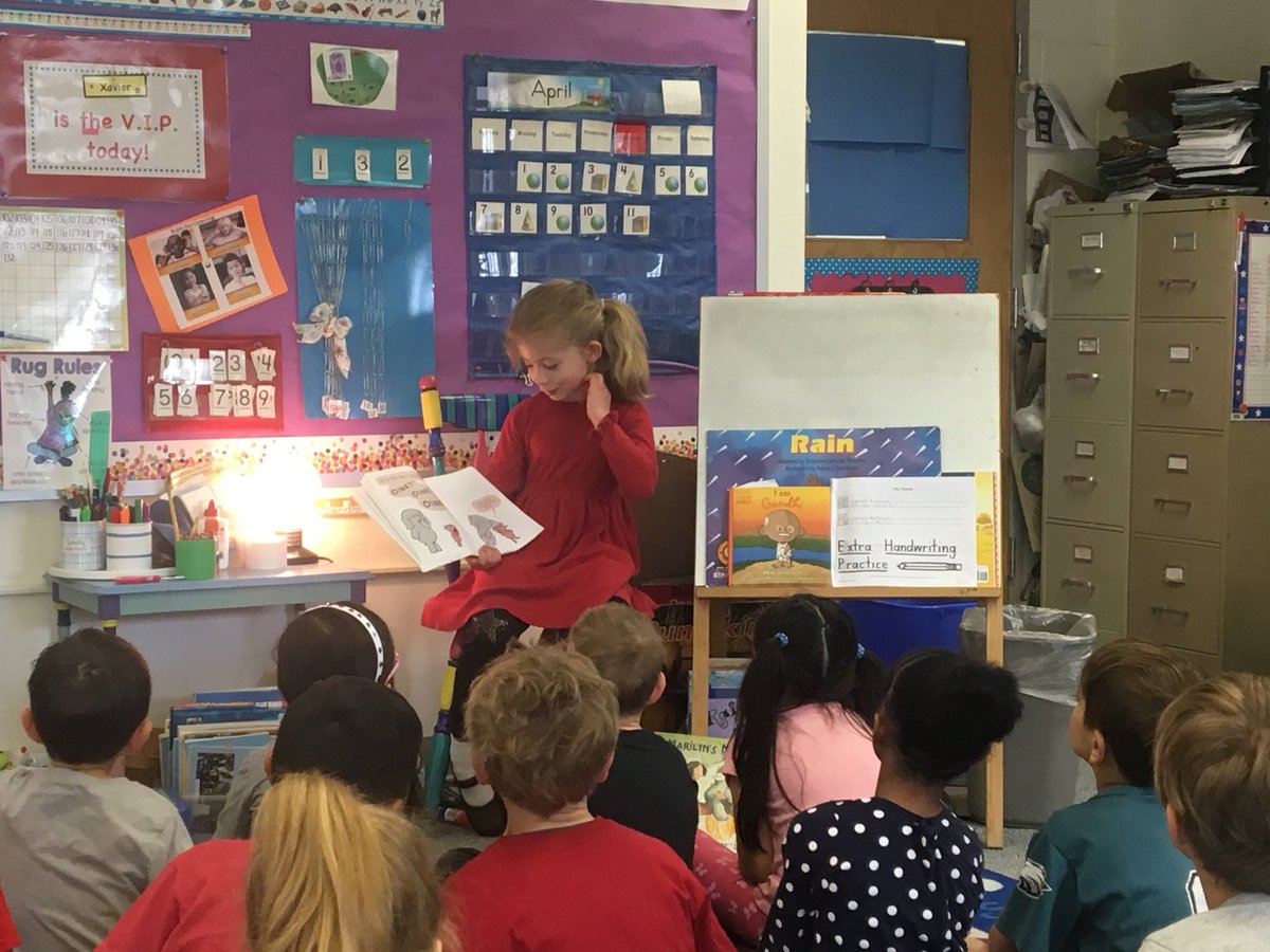 First Grader reading the book, Happy Pig Day, to Ms Gutowski's class🐷😀⁦<a target='_blank' href='http://twitter.com/GlebeAPS'>@GlebeAPS</a>⁩ ⁦<a target='_blank' href='http://twitter.com/GlebeITC'>@GlebeITC</a>⁩ ⁦<a target='_blank' href='http://twitter.com/MsAreFirst'>@MsAreFirst</a>⁩ ⁦<a target='_blank' href='http://twitter.com/Glebe1st'>@Glebe1st</a>⁩ <a target='_blank' href='https://t.co/bRYVVZ7Ycz'>https://t.co/bRYVVZ7Ycz</a>