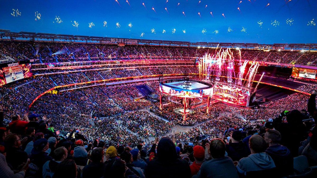 WrestleMania!   <br>http://pic.twitter.com/Es2CJvOc11