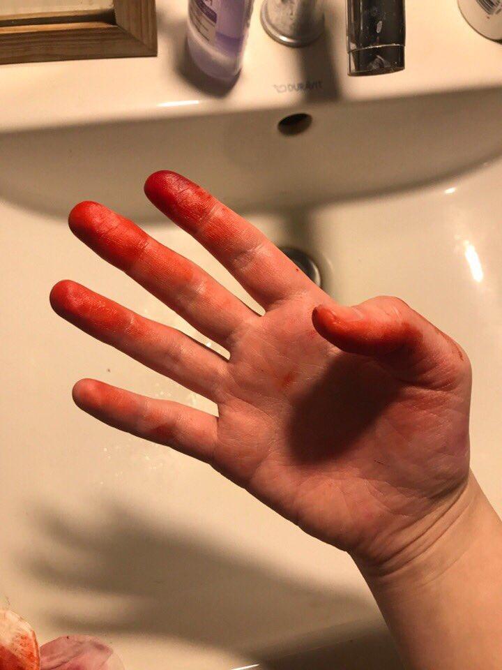 материалы, фото девушка сует палец в попку интенете сложено немало