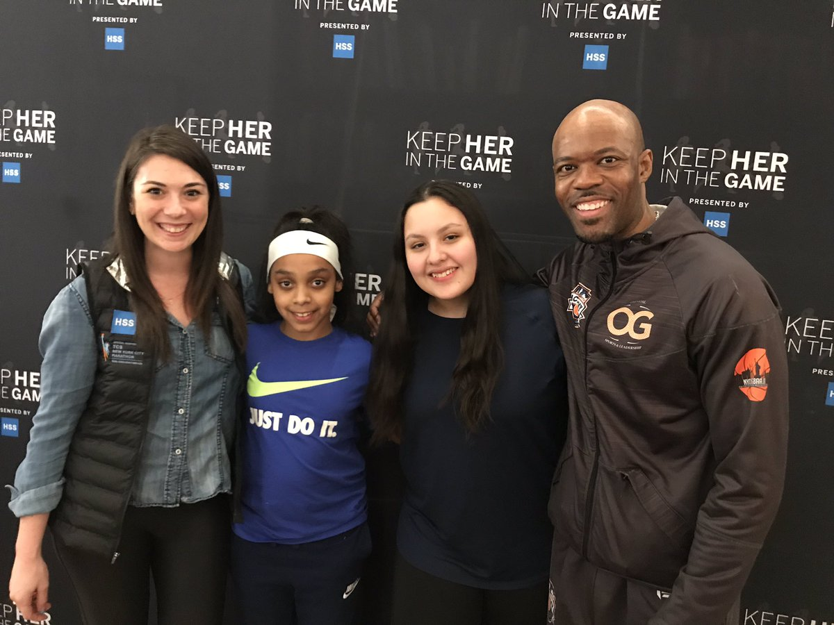#BigAppleBasketball was able to bring two girls to participate in #KeepHerInTheGame sponsored by @HSpecialSurgery @espnW • It was a day-long conference to empower middle & high school girls to stay in sports. It included motivational speakers, panel discussions, yoga instruction