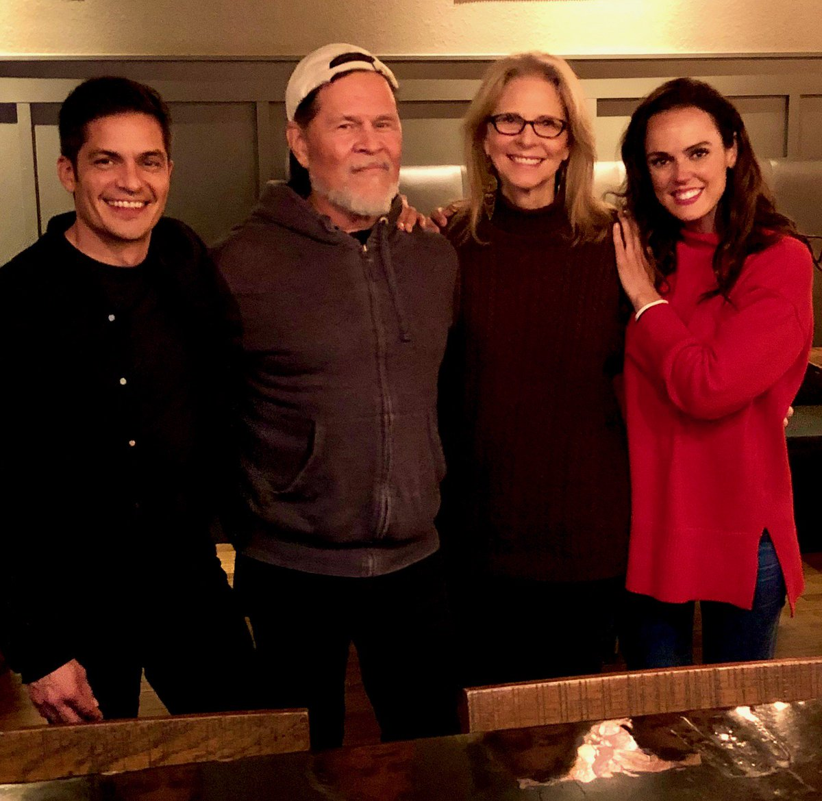 Sharing Christmas Cast.Lindsay Wagner On Twitter Christmas In March Shooting A
