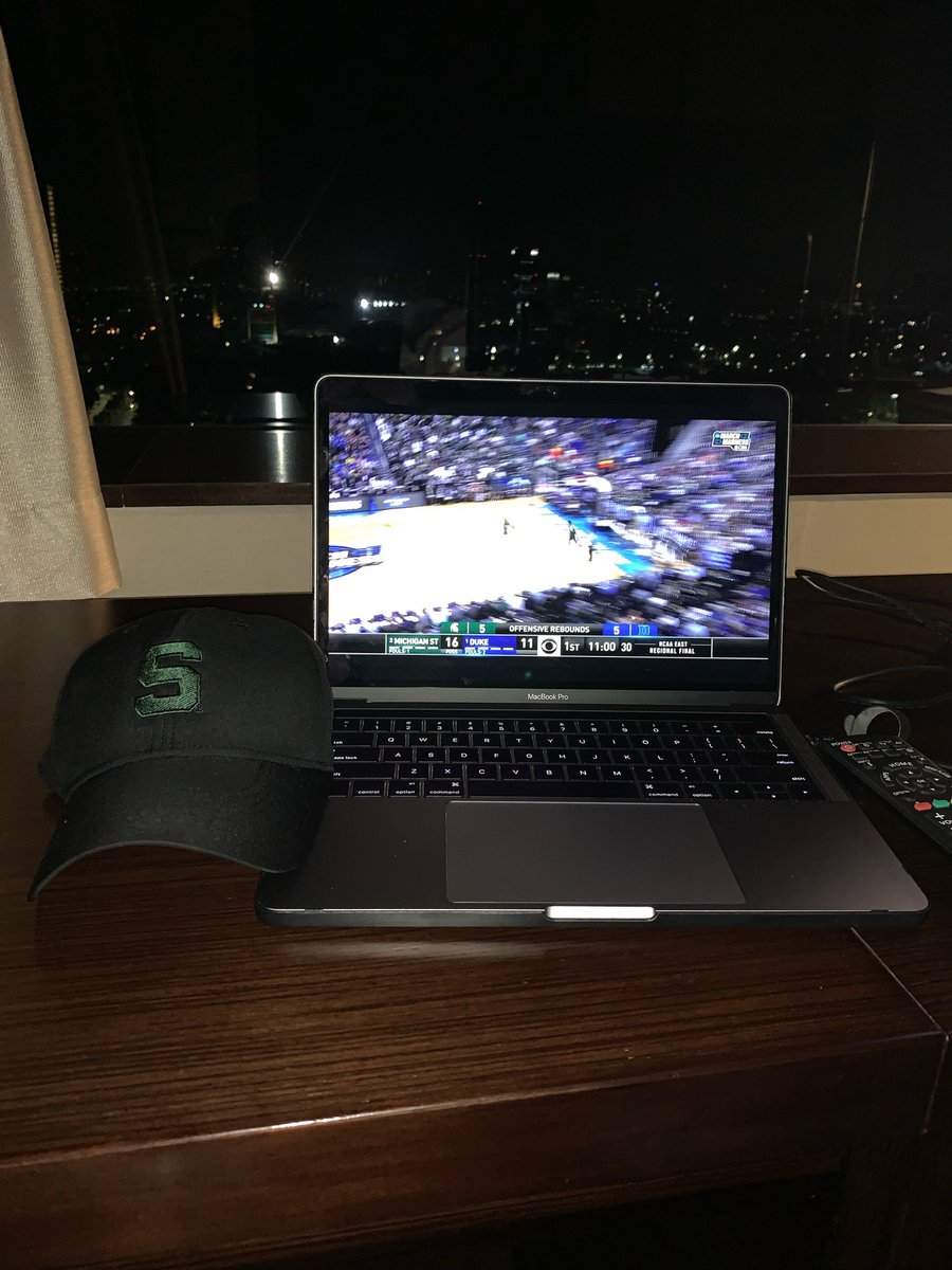 4am in Jakarta, Indonesia. #GoGreen #SpartanDawgs https://t.co/P7zNFbOoIY