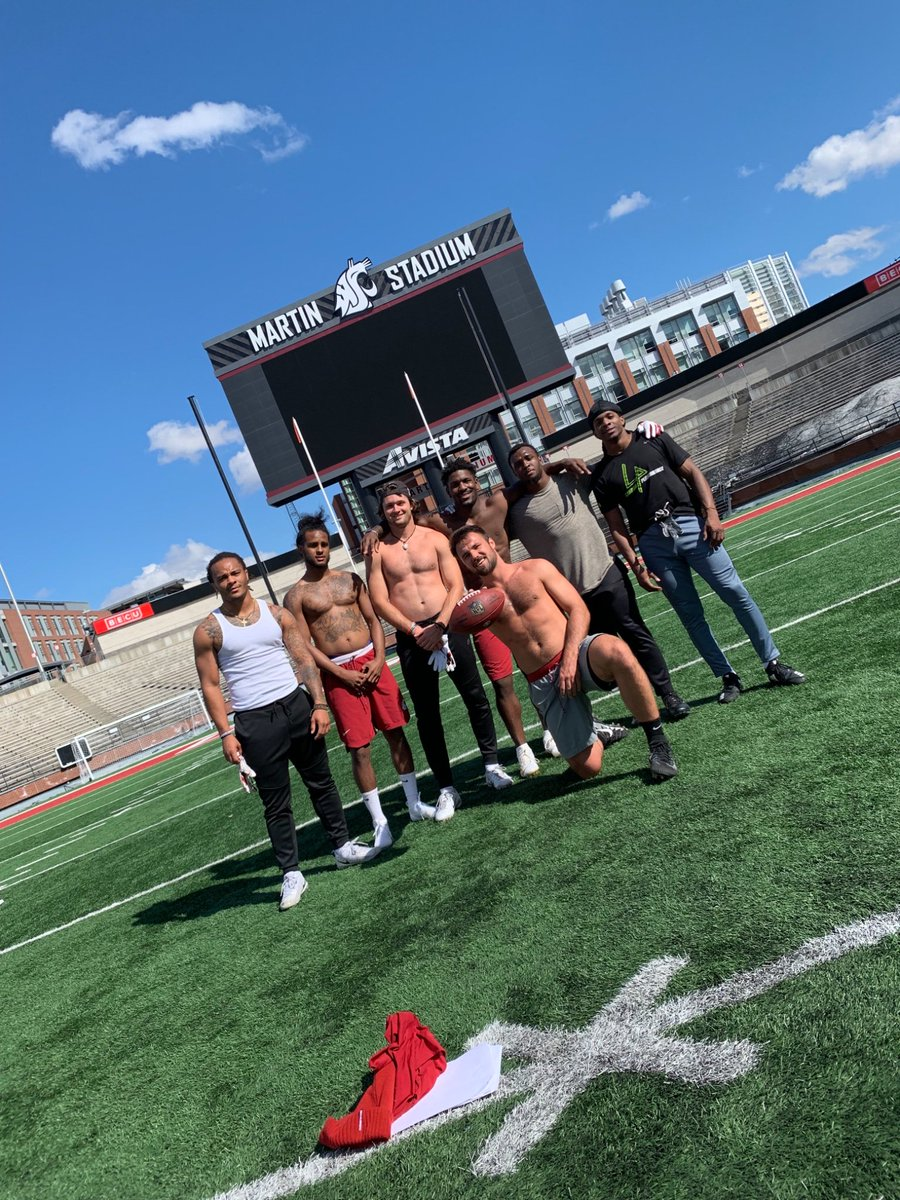 Glad to be back home and getting Pro Day ready with the bros #GoCougs #WhosGotItBetter #NoooooooBody