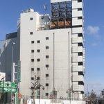 隣のビルが解体されて、ビルの高さを詐欺ってたのがバレた!