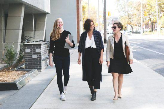 Report to your boss immediately...Walking meetings are IN https://www.jotform.com/blog/walking-meetings/…