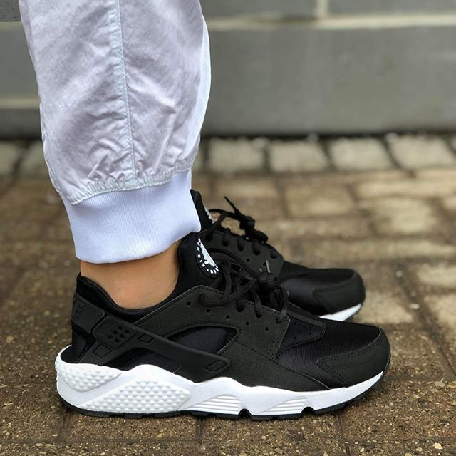 """930f21da5864 Spring 2019 Collection Womens Nike Air Huarache Run """"Black White"""" 634835-006"""