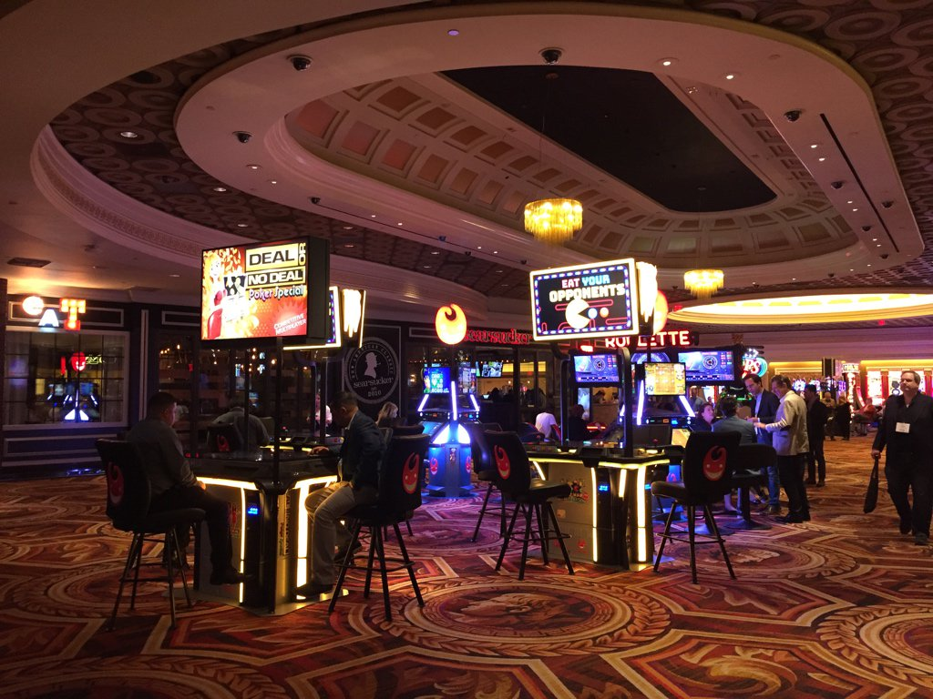 """Vital Vegas on Twitter: """"Former Pussycat Dolls party pit at Caesars. Now, with skill.… """""""