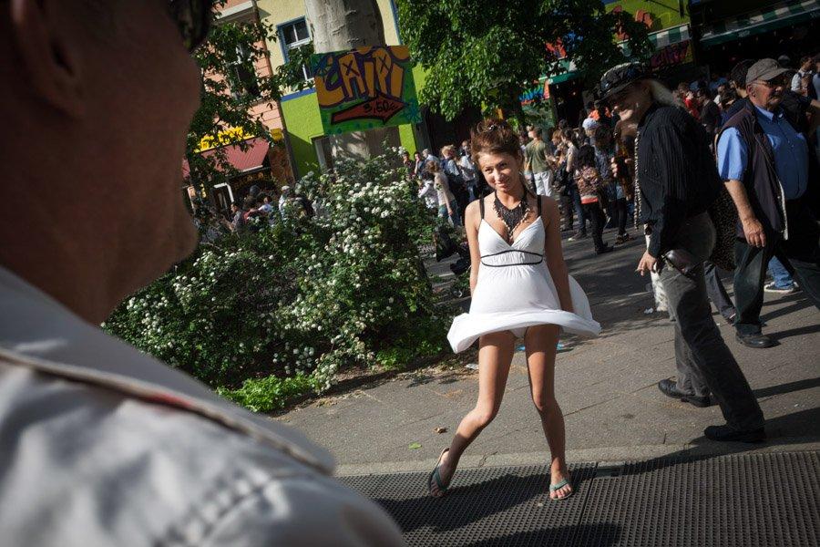 Marvelous Berlin, May 2010. (https://www.instagram.com/gordonwelters)  #berlinickliebedir #marvelous #berlin #streetphotography #fromstreetswithlove #documentary #Latergram #gordonwelters #berlinstreetphotography #berlinstreets #streetberlin #marilyn #streetfashion #strangerthings3 #fatalframespic.twitter.com/OjtKxAv1L7