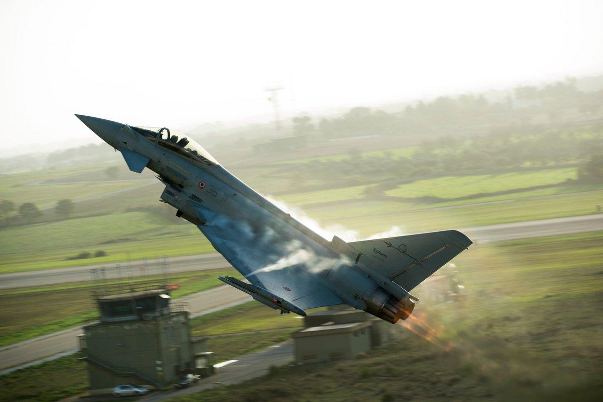 Ready for the Tuesday take off? #eurofighter #eurofightertyphoon #aircraft #fighterjet #fighterpilot #future #innovation #airforce #aeronautics #aviation