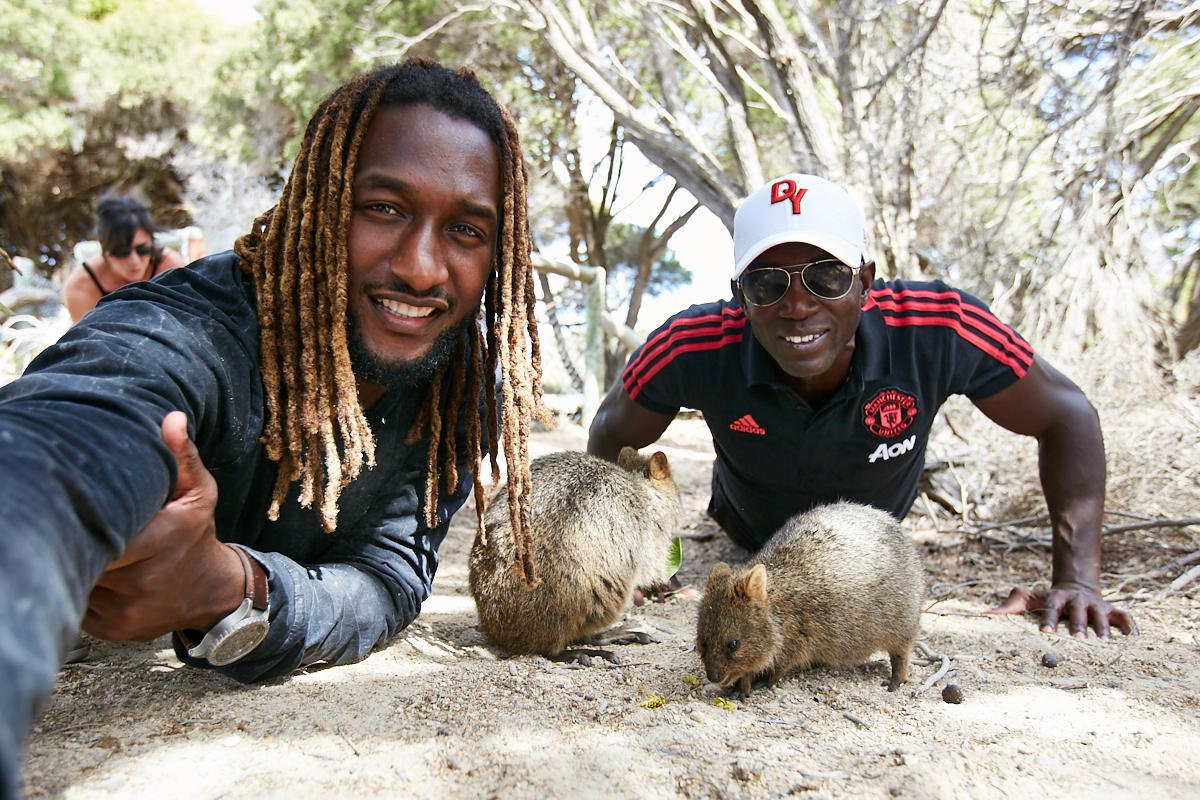 🇦🇺 Dwight Yorke's to-do list in Perth, @WestAustralia: Scout our #MUTOUR venues for this summer ✔️ Take a quokka selfie with @NicNat ✔️ https://t.co/i5xmI3jCOh
