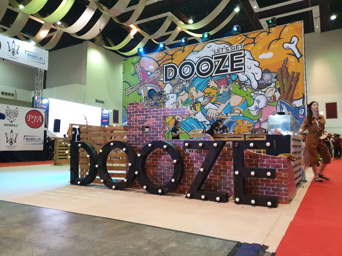 #Vape #Vaping #Ejuice #CBD #Nic salt #pod #Dinner lady #Nasty juice #Doozejuice  Hi, Friends, come to us for the IECIE and let's get Dooze at our Booth 6A68, Hall 6 !  To surf the Ecig wave with Dooze pod together !  To check the detail on Alibaba: https://www.alibaba.com/product-detail/2019-IECIE-DOOZE-Pod-Starter-Kit_62031948138.html?spm=a2747.manage.0.0.3d6e71d23FvfE9…
