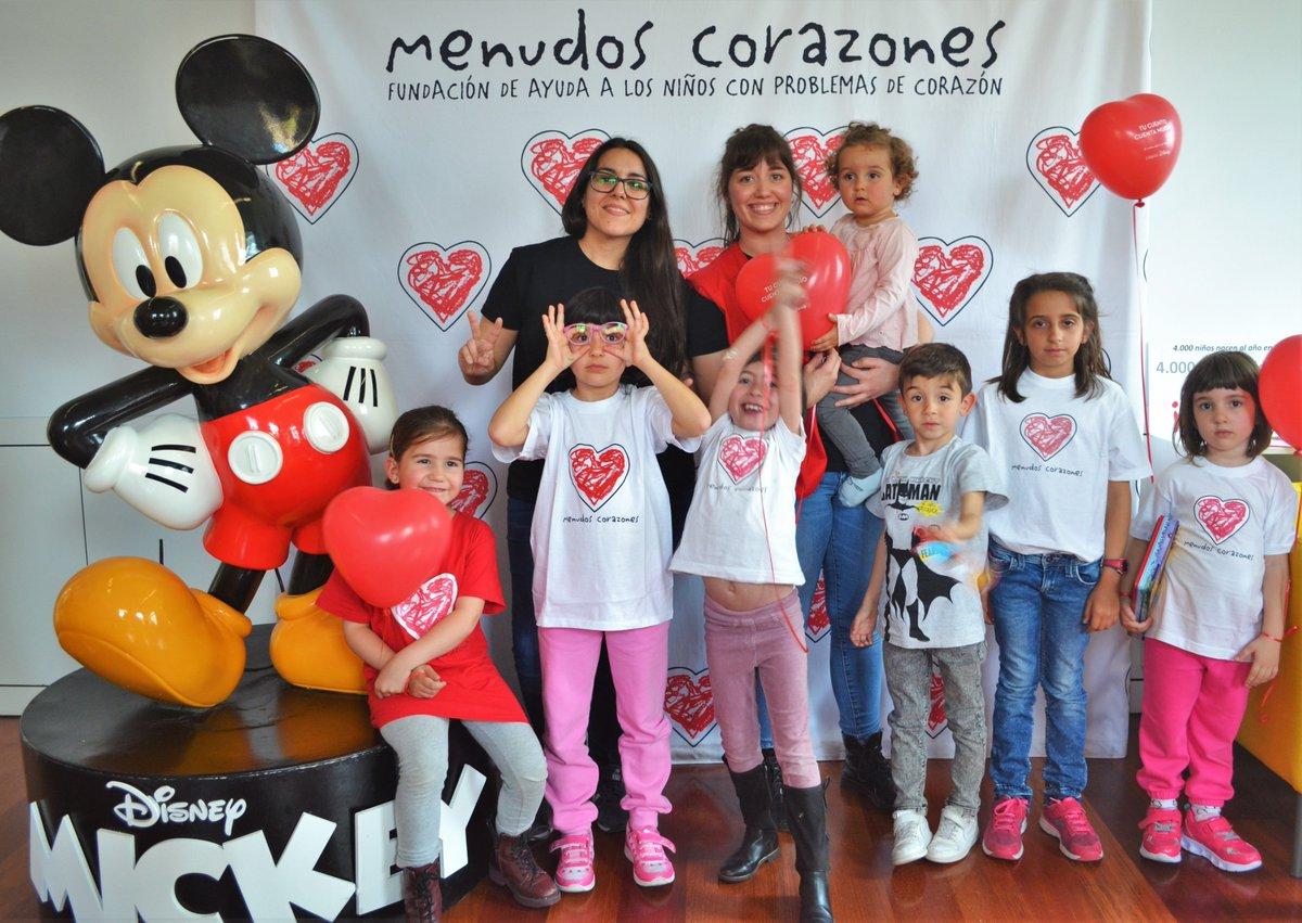 Ayer nos preparamos para el #DíaDelLibroInfantil con @Planetadelibros y @DisneySpain presentando la campaña #TuCuentoCuentaMucho #LibrosDisney. Compartimos cuán importante es la lectura en el hospi, merendamos y... ¡nos hicimos fotos con Mickey!¡Gracias a todas y todos por venir!