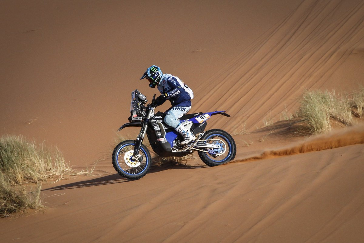 Strong stage 2 for @A_Vanbeveren in Morocco, placing third after the 212km special...  Adrien now leads the @MerzougaRally provisional standings by close to five minutes.  #YamahaRacing | #RevsYourheart | #Merzouga2019  Report:  https://www. yamaha-racing.com/more-rally/art icles/news/2019/777660/adrien-van-beveren-maintains-merzouga-rally-advantage &nbsp; … <br>http://pic.twitter.com/qYOqT6G7h8