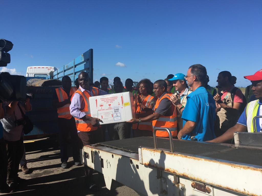 900,000 @Gavi-funded cholera vaccine doses have now arrived in Beira, Mozambique. Vaccination will begin tomorrow afternoon. #VaccinesWork #CycloneIdai (Photo: @WHO)