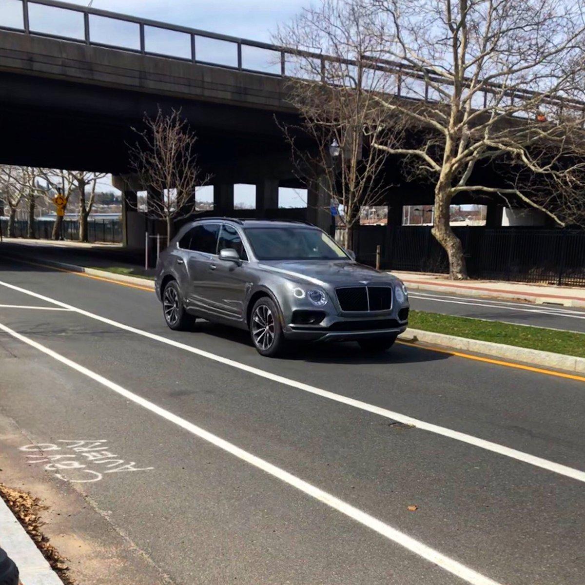 Found a Bentley Bentayga on my way to class. What a beautiful car 😍 @BentleyMotors