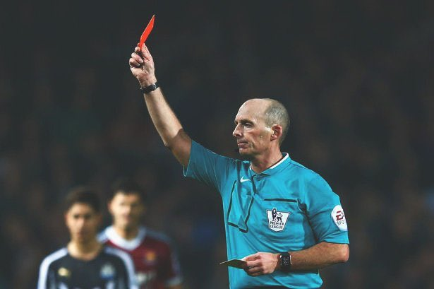 Mike Dean has shown 100 Premier League red cards - thats more than any club has ever received. Mike Dean: 100 Everton: 93 Arsenal: 87 Newcastle: 82 Chelsea: 78 Blackburn: 77