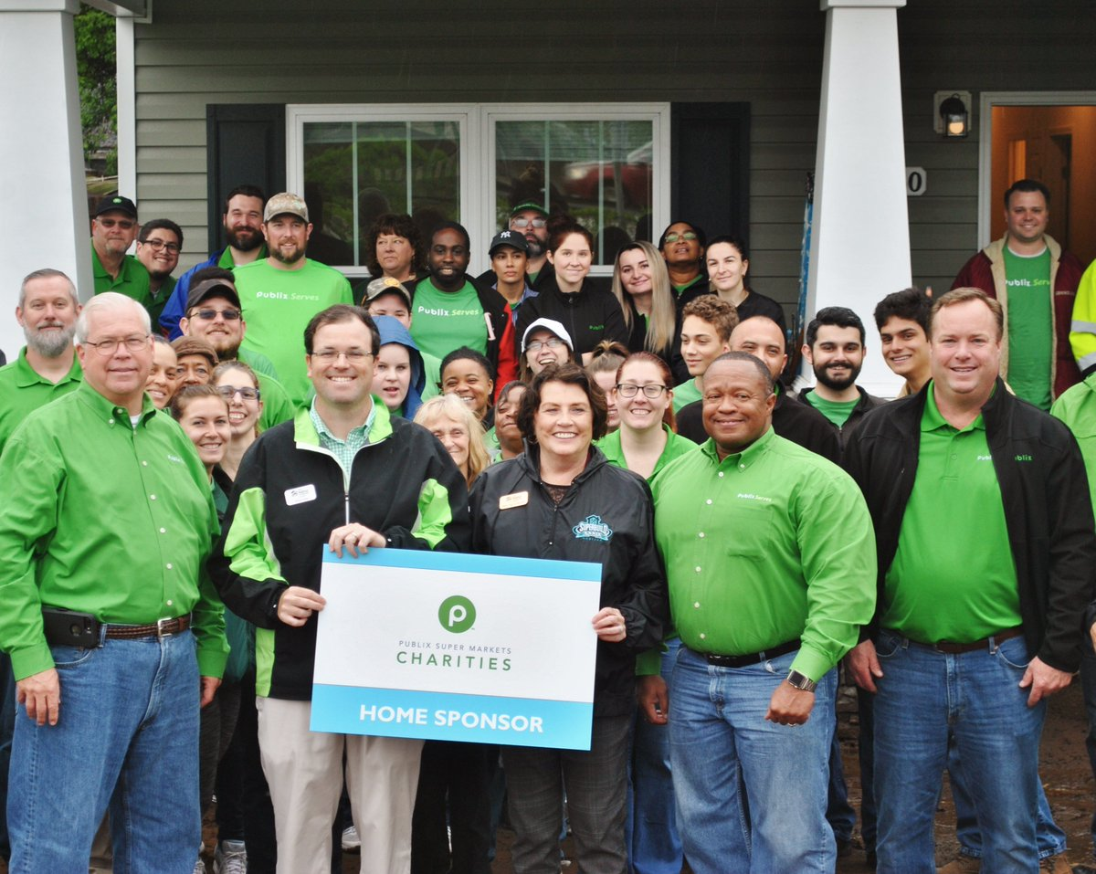 125 amazing @Publix associates spent the day with us volunteering on our construction sites! Publix Supermarket Charities is also one of our home sponsors and presented #HabiJax with a check for $40,000 to build homes for Jacksonville families in need! #ThankYou #WeAppreciateYou