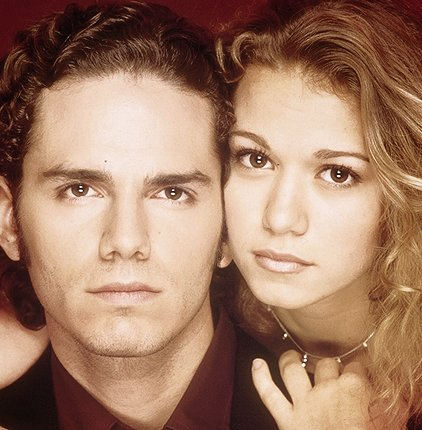Happy Birthday, Joy! @BethanyJoyLenz most young adults like myself remember you from #OTH as #HayleyJamesScott. However, I remember seeing you on #GuidingLight as #MichelleBauerSantos. My parents would watch #GL after dinner every night. Hope you enjoy this pic! pic.twitter.com/1qVnew7n8s