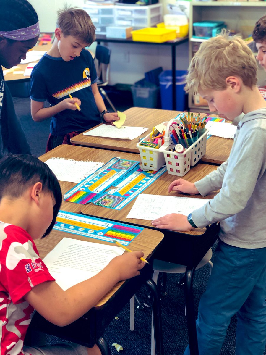 Enjoying reading &amp; complimenting each other's writing at our opinion writing <a target='_blank' href='http://search.twitter.com/search?q=publishingparty'><a target='_blank' href='https://twitter.com/hashtag/publishingparty?src=hash'>#publishingparty</a></a> <a target='_blank' href='http://search.twitter.com/search?q=KWBPride'><a target='_blank' href='https://twitter.com/hashtag/KWBPride?src=hash'>#KWBPride</a></a> <a target='_blank' href='https://t.co/sleVcCXlZG'>https://t.co/sleVcCXlZG</a>
