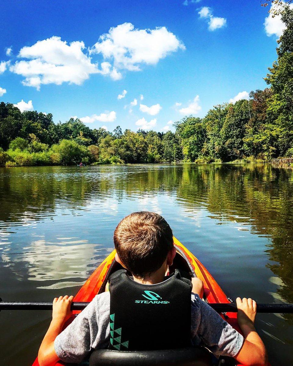 High Point City Lake park, great place to go kayaking.(photo: @mixongram) #repost #highpoint #highpointnc #visitnc #nctourism #explorenc #travel #ncvacation #highpointcitylake #highpointcitylakepark #jamestownnc #kayaking #kayak #lake #ncadventure #outdoors #ncoutdoors