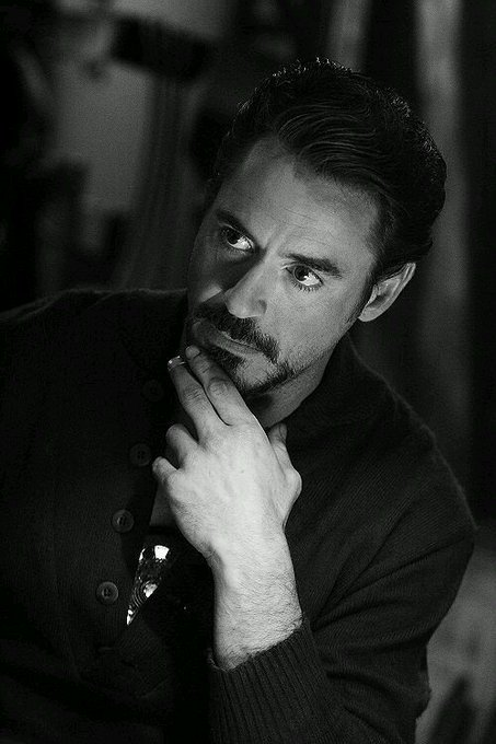 HAPPY BIRTHDAY ROBEDOWNEY JR  HAPPY BIRTHDAY TONY STARKK  I LOVE YOU..
