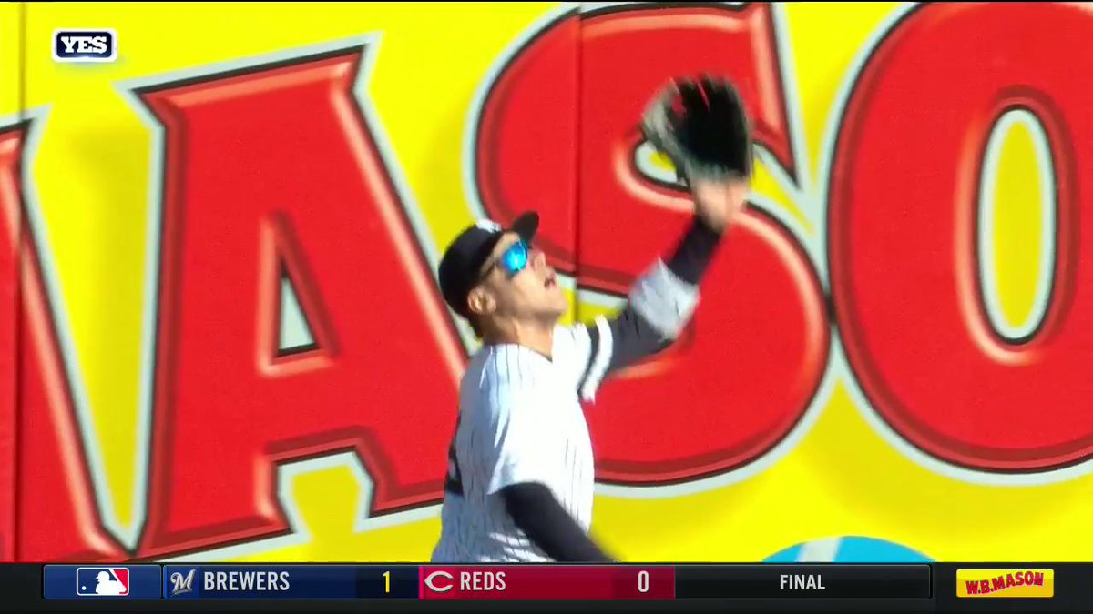 Aaron Judge with another CLUTCH catch at the wall in right field! Watch LIVE: http://yesnet.me/2uKDDUY