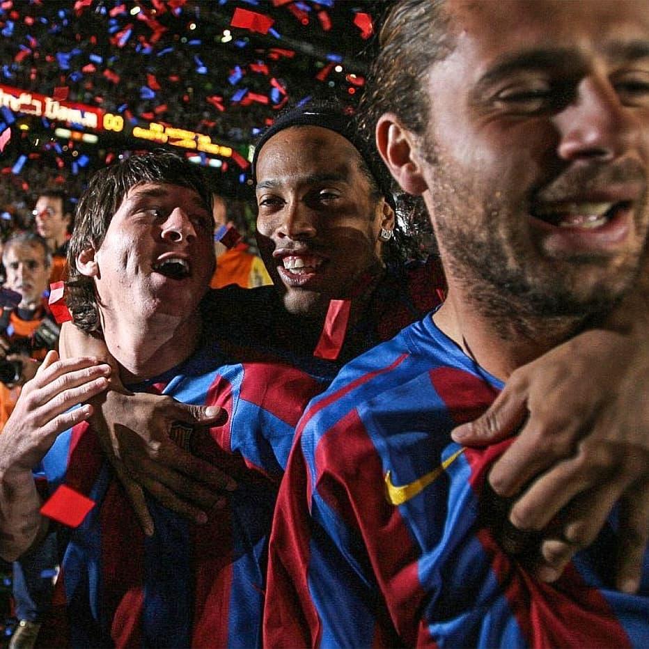 Comemorando o título da @LaLiga em 2006 com meus parceiros Leo Messi e Thiago Motta 🤙🏾 @fcbarcelona @fcbarcelona_br #TBT