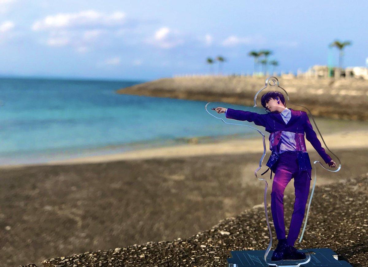 投稿するのめっちゃ忘れてたけど ツアーの合間に沖縄で写真集の撮影 してくれた事が本当に嬉しかった😭 いつか沖縄でもコンサートしてくれる といいな😌💕  #私のSirius #TAEMIN #SHINee https://t.co/w8ka5eJ92Y