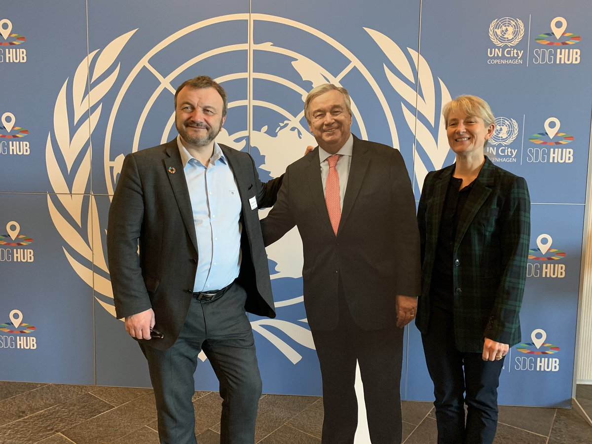 A pleasure to receive  @MagniArge MP for the Faroe Islands and advocate for #SDGs (with reserve @antonioguterres 😊) - giving intro to @UNDP  @UNCityCPH @UN_JPOProgramme http://www.sdg-accelerator.org beginning of a fruitful partnership 🙏 @UlrikaModeer @Ulla_Tornaes @BilleHermann