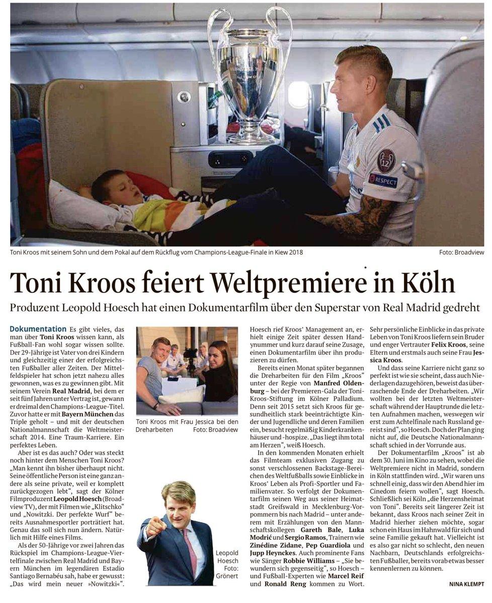 """Ein Weltmeister im Anflug auf #koeln #köln @ToniKroos kommt Ende Juni zur Weltpremiere des Films """"Kroos"""" in den Cinedom. Produziert hat die Doku über den Superstar der Kölner @leopoldhoesch @broadviewtv - Dreamteam! Kroos will nach dem Ende seiner Karriere in Köln leben. Passt!"""