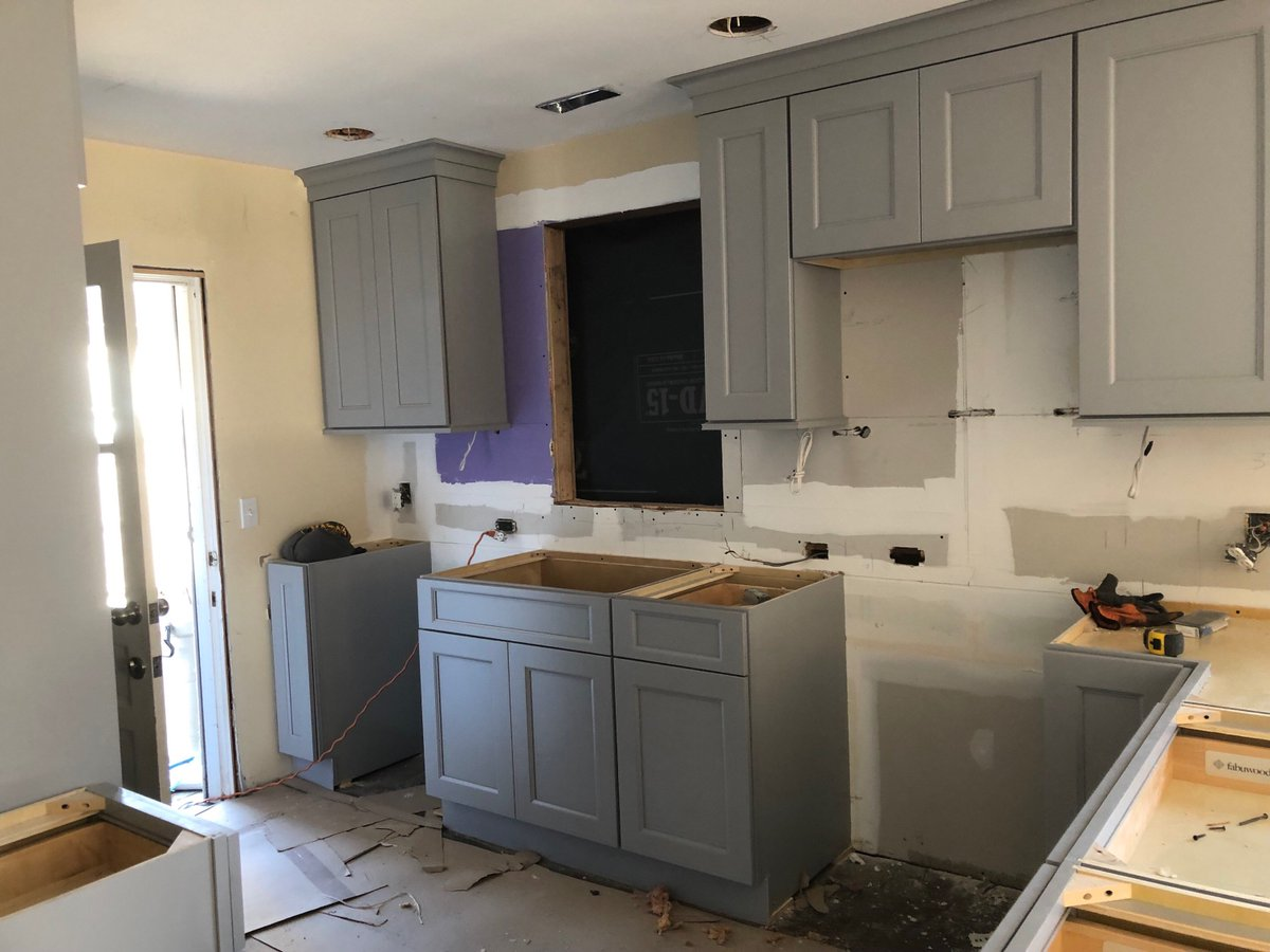 This Project Designed By Brenda Roze Makes Great Use Of E And Even Includes A Washer Dryer Stack Northeastbuildingsupply Thekitchencenter Kitchen