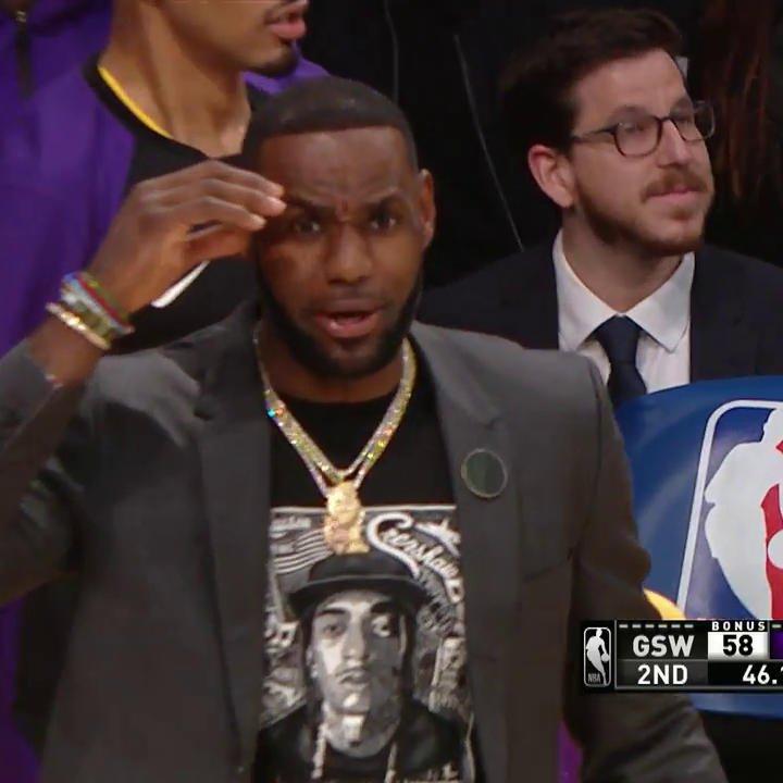 😂 LeBron's reaction to Alex Caruso's nasty putback dunk!   (Via @NBAonTNT)