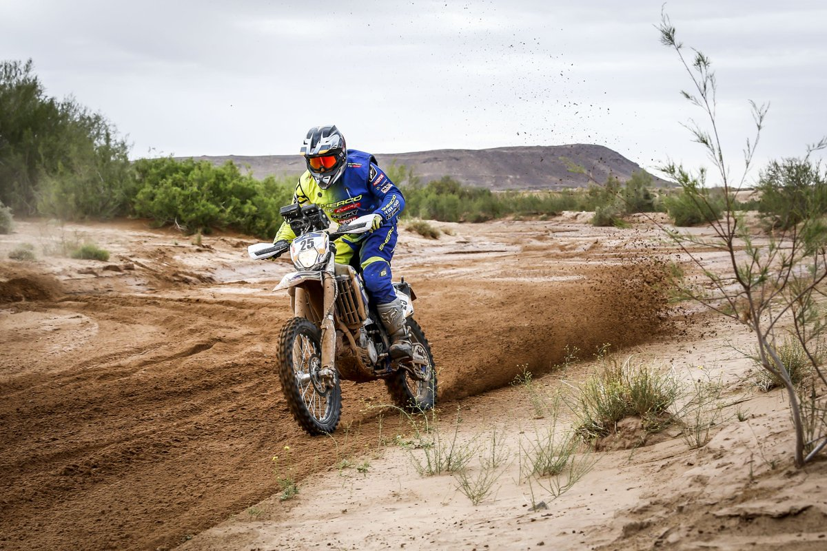 .@TVS_Racing had mixed luck in stage 3 of the #Afriquia #Merzouga2019 #Rally, with .@aravindkp85 KP finishing the at P32 in the Rally category, and Abdul Wahid Tanveer finishing at P2 in the Enduro category . For more click   https:// fastbikesindia.com/mixed-luck-for -sherco-tvs-rally-factory-team-in-stage-3/   … <br>http://pic.twitter.com/1eNN1K8MZ7