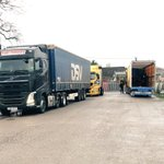Image for the Tweet beginning: Lorries queuing to get into