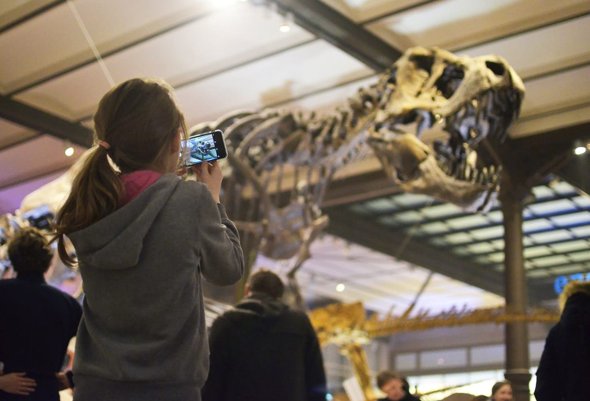 Easter holidays ahead, which means you'll have to find ways to entertain your kids. Are you surprised when we tell you to take them to the museum? No, you're not. Here are 12 places you can take'm: http://bit.ly/12museumsforkids…