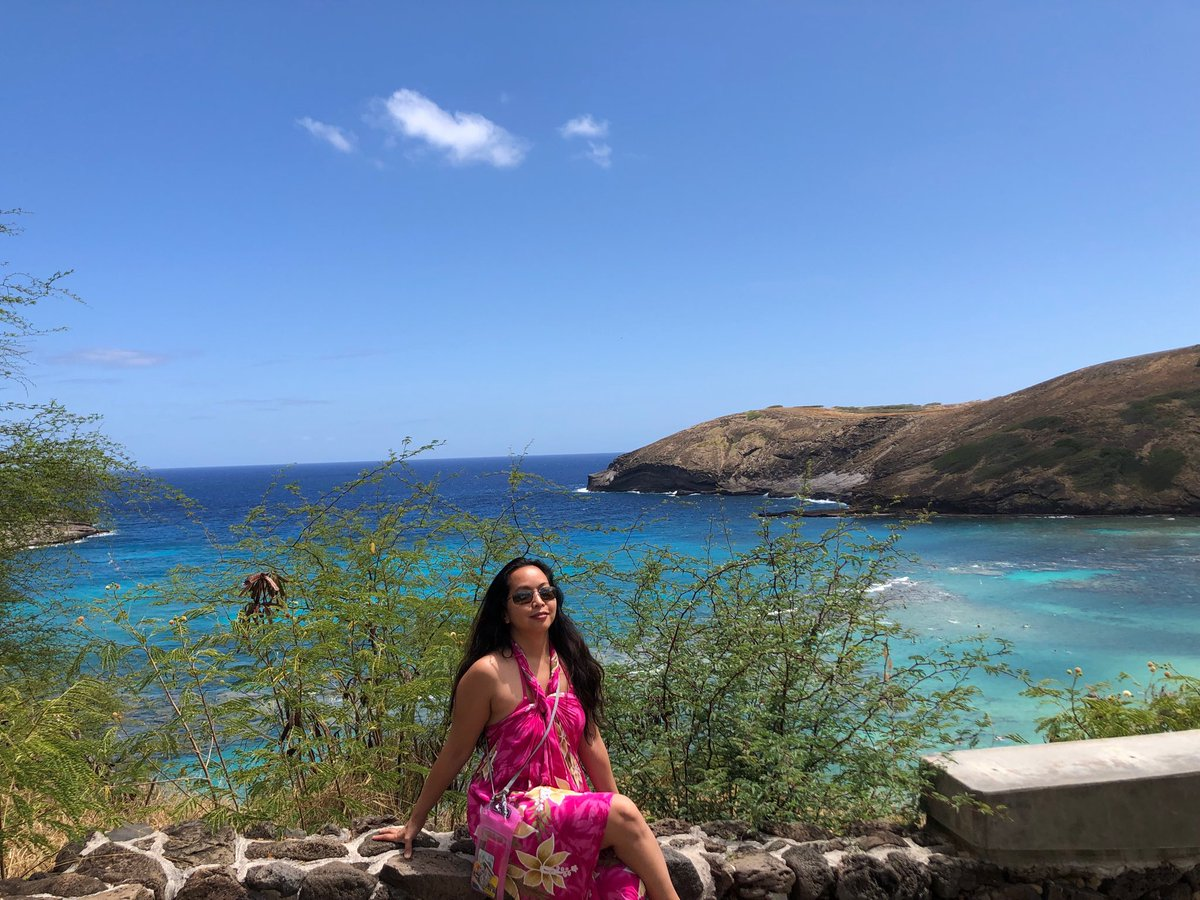 9 am performance at U of Hawaii for Robert Littman's Mythology class. 🎼🏛1 pm Hanauma Bay. 🌺🌊7:30 pm attended Turi King's AIA lecture (with U of H crew!) on finding the bones of Richard III! 😮😃A full day. https://t.co/FePFShGW5a