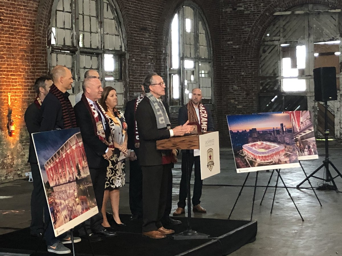 """""""We've got the team, we've got the fans, we've got the land ... """" @Jeff4sac talks about the proposed, privately funded soccer stadium in the downtown #Sacramento railyards. With @SacRepublicFC @Mayor_Steinberg @AngeliqueAshby https://t.co/XgwZtoVGmU"""