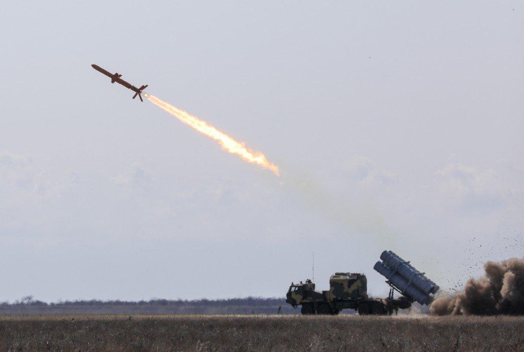 اوكرانيا باتت جاهزه لانتاج صاروخ الكروز Neptune المضاد للسفن  D3ZQbX4XsAEEExy