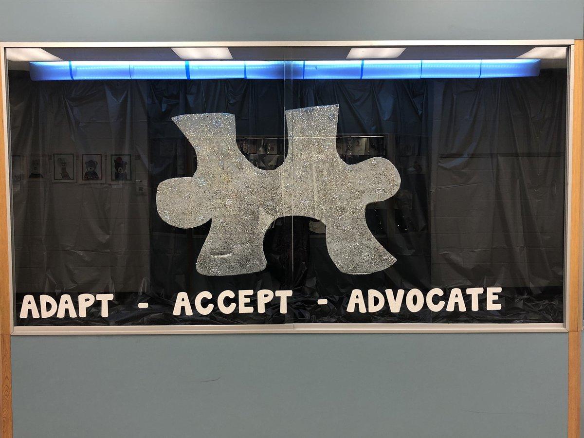 Awesome display @Landstown_ES ! #AutismAwareness