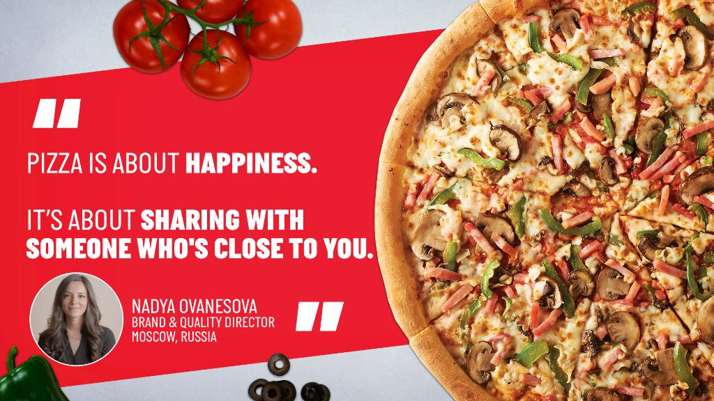 Thinking about sharing pizza with those closest to us gives us the warm and fuzzies. Raise your hand if you agree! 🙋 #PapaProfiles